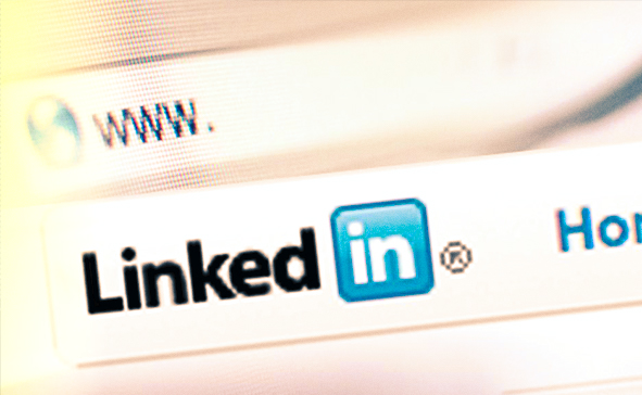 6 WAYS TO MAKE YOUR LINKEDIN PROFILE UNFORGETTABLE
